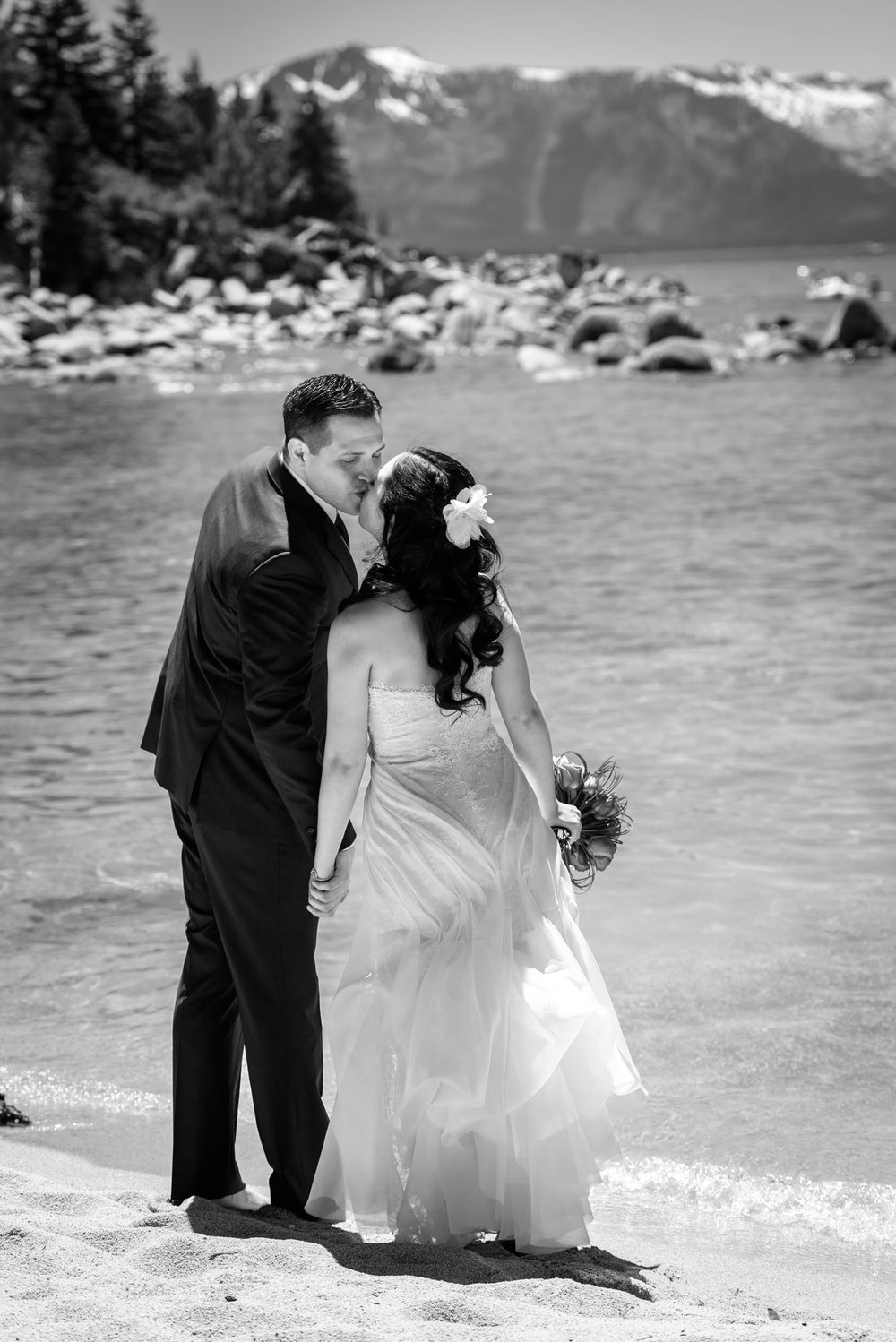 2571_Monica_Jason_Zephyr_Cove_Lake_Tahoe_Wedding_Photography.jpg