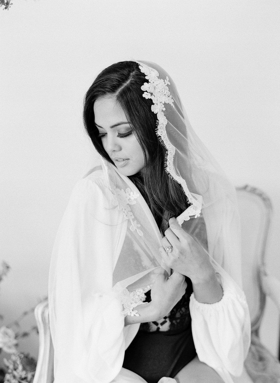 JennySoiPhotography-BridalBoudoireditorial-161.jpg