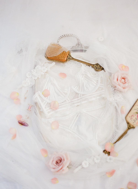 JennySoiPhotography-BridalBoudoireditorial-109.jpg