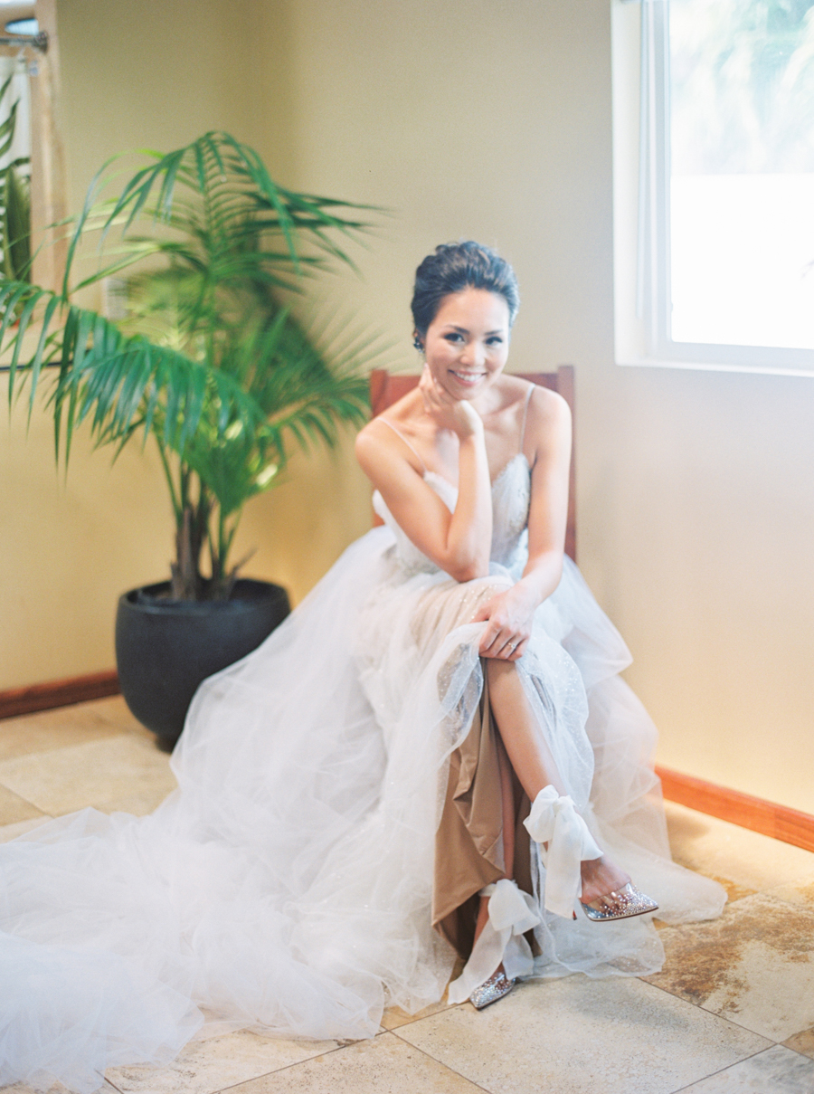 trynhphoto-stylemepretty-hawaii-wedding-photographer-honolulu-oahu-maui-36.jpg