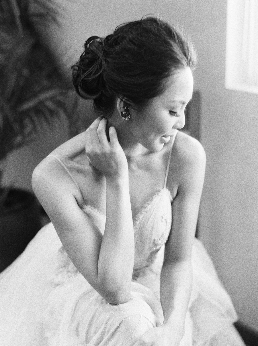 trynhphoto-stylemepretty-hawaii-wedding-photographer-honolulu-oahu-maui-37.jpg