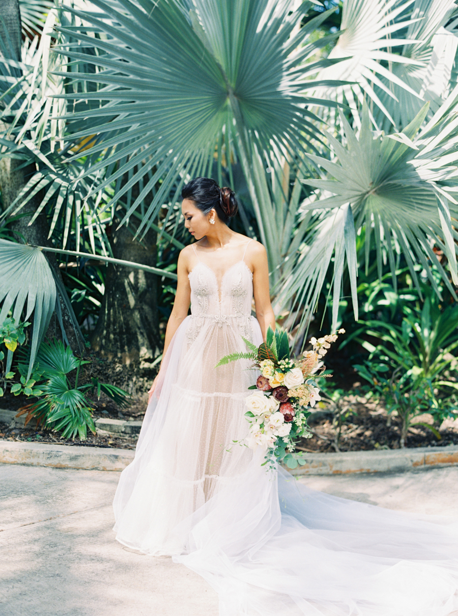 trynhphoto-stylemepretty-hawaii-wedding-photographer-honolulu-oahu-maui-38.jpg