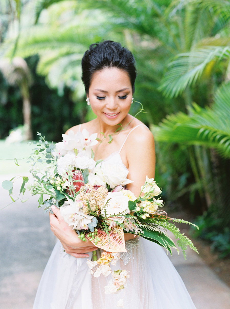 trynhphoto-stylemepretty-hawaii-wedding-photographer-honolulu-oahu-maui-46.jpg