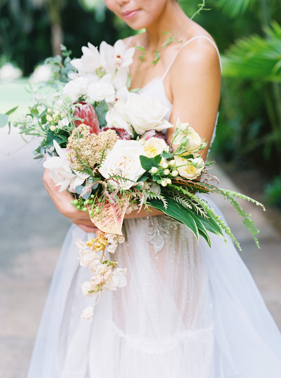 trynhphoto-stylemepretty-hawaii-wedding-photographer-honolulu-oahu-maui-47.jpg