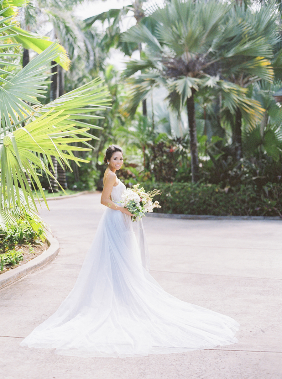 trynhphoto-stylemepretty-hawaii-wedding-photographer-honolulu-oahu-maui-54.jpg