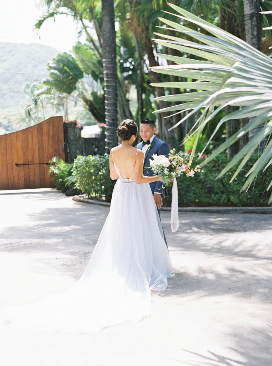trynhphoto-stylemepretty-hawaii-wedding-photographer-honolulu-oahu-maui-55.jpg