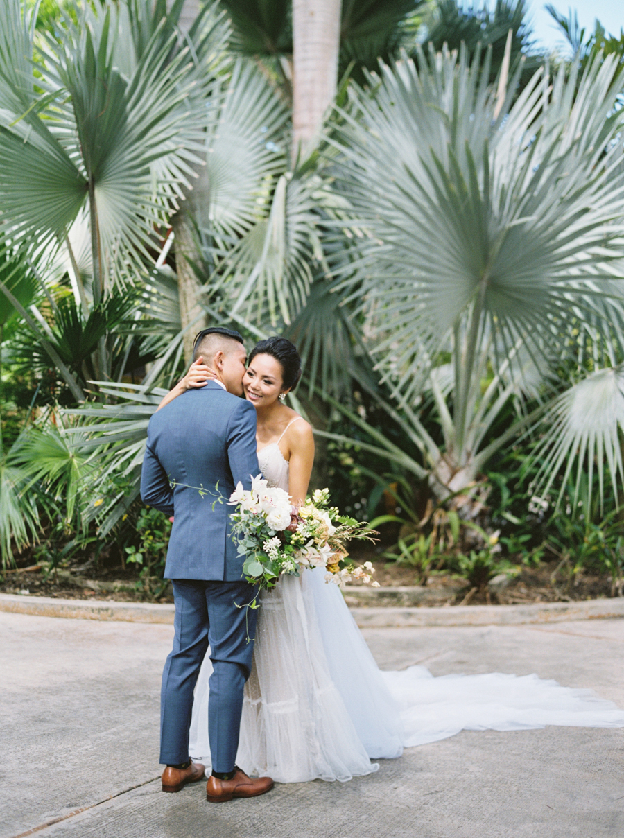 trynhphoto-stylemepretty-hawaii-wedding-photographer-honolulu-oahu-maui-56.jpg