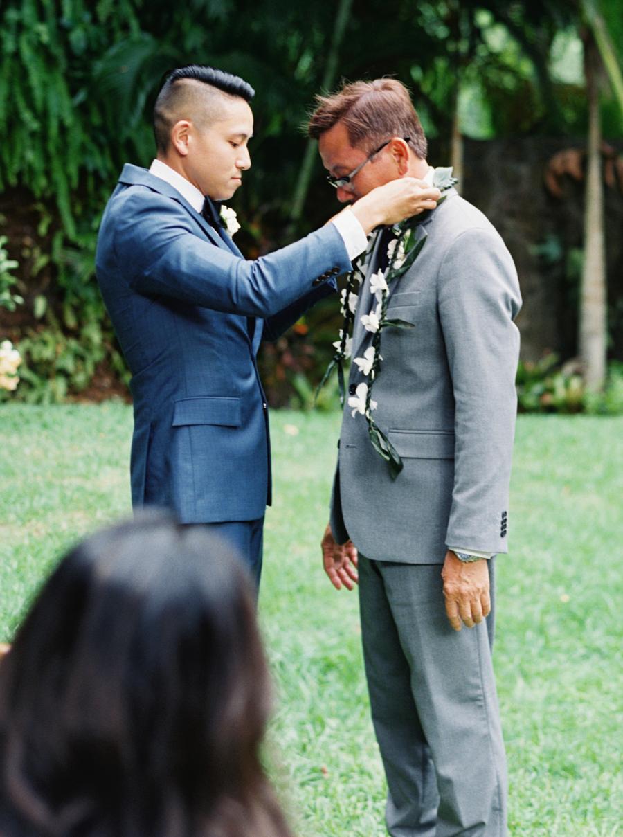 trynhphoto-stylemepretty-hawaii-wedding-photographer-honolulu-oahu-maui-78.jpg