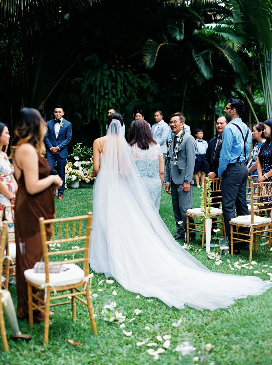 trynhphoto-stylemepretty-hawaii-wedding-photographer-honolulu-oahu-maui-81.jpg