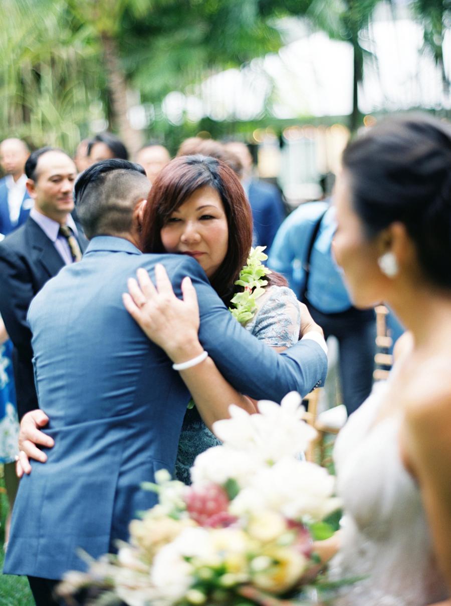 trynhphoto-stylemepretty-hawaii-wedding-photographer-honolulu-oahu-maui-83.jpg