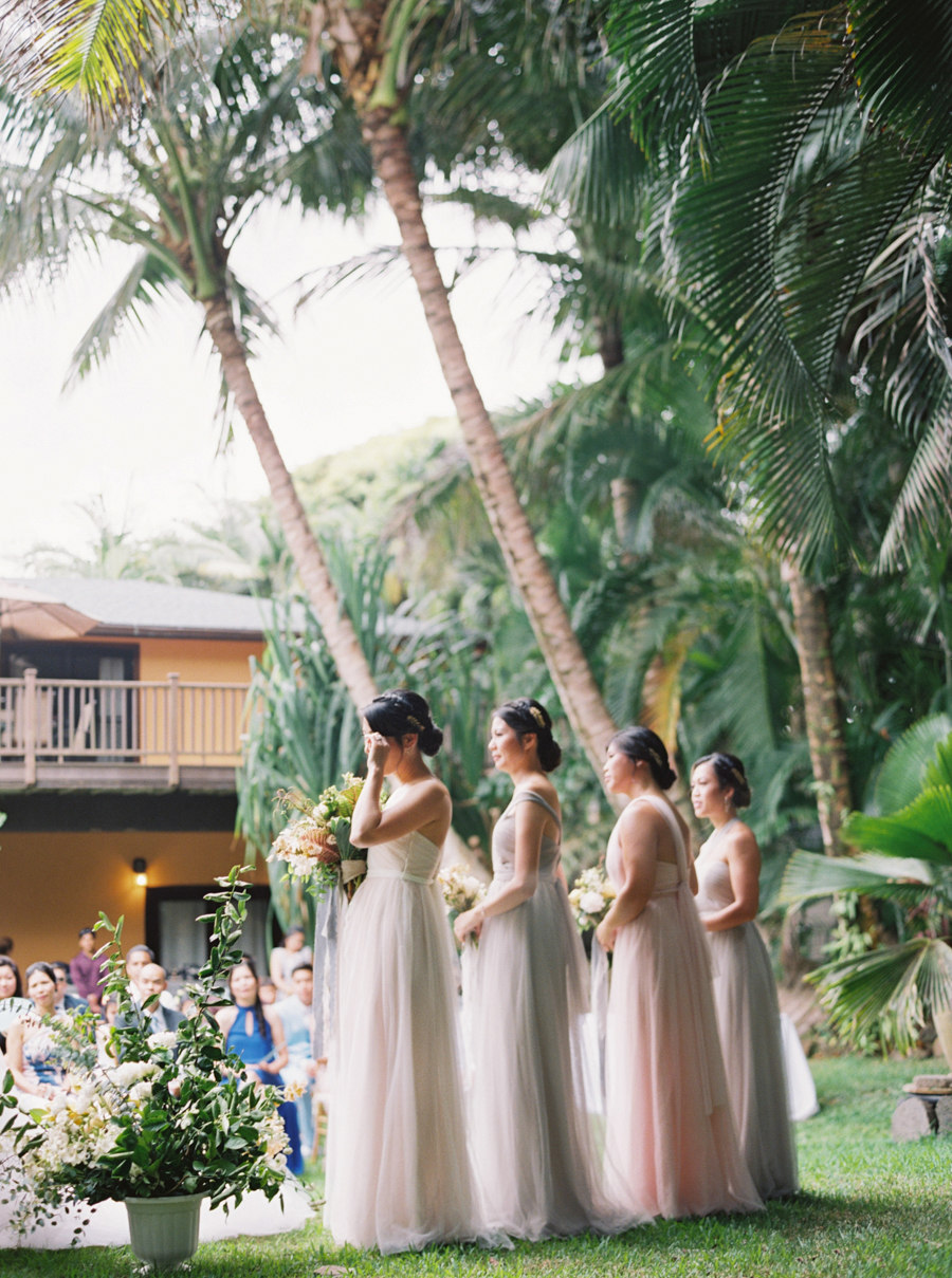 trynhphoto-stylemepretty-hawaii-wedding-photographer-honolulu-oahu-maui-84.jpg