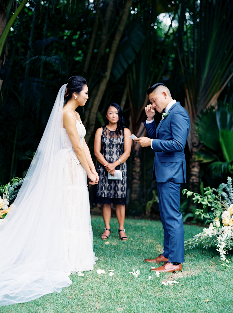 trynhphoto-stylemepretty-hawaii-wedding-photographer-honolulu-oahu-maui-85.jpg