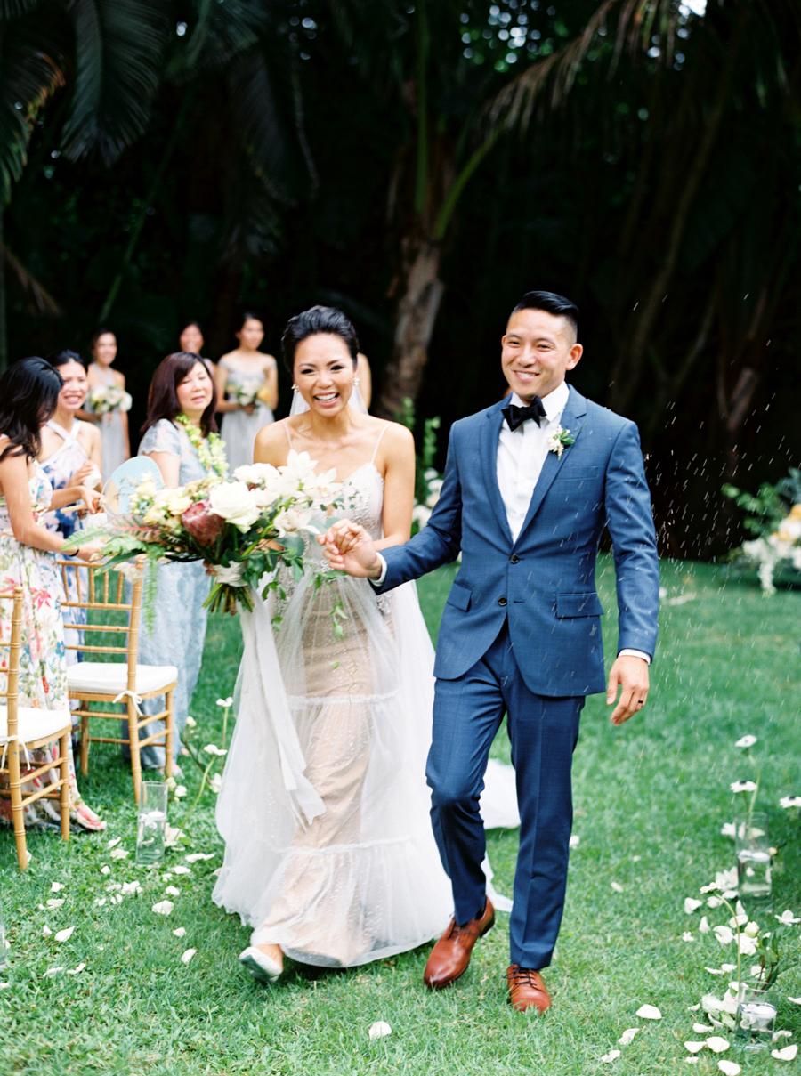 trynhphoto-stylemepretty-hawaii-wedding-photographer-honolulu-oahu-maui-90.jpg