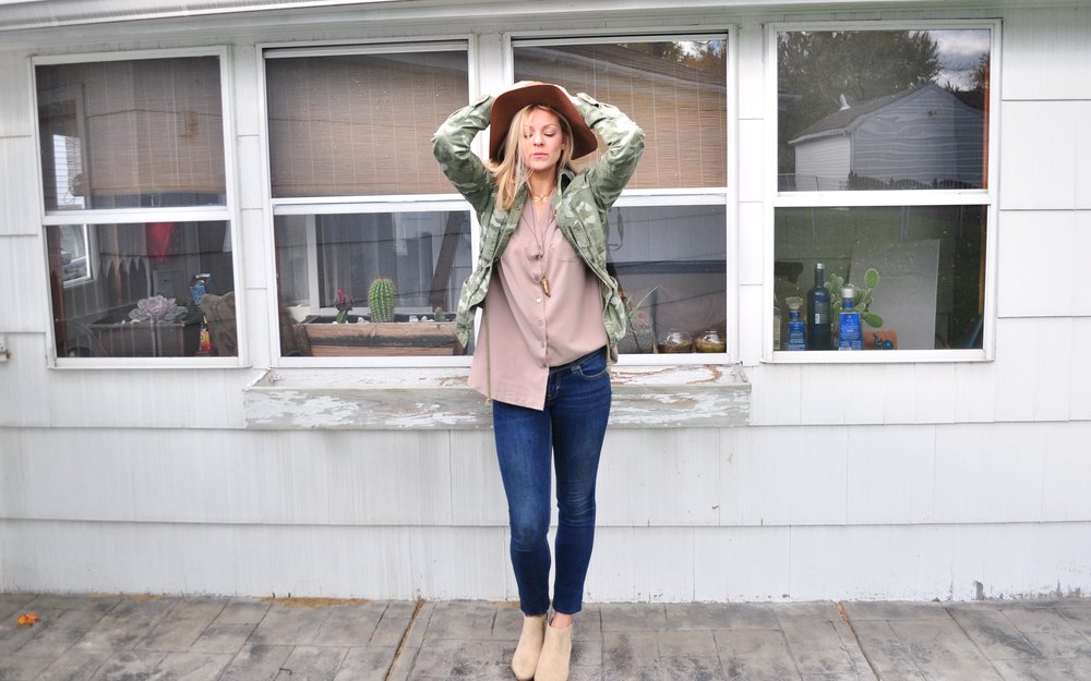 army jacket, women military jacket, forever 21 army jacket, spring camp jacket, blonde blogger, colors to compliment blonde hair, rachel sweeney, buffalo blogger, buffalo fashion blogger, top buffalo bloggers, toronto blogger, indie brand blogger, indie twenty, small business blogger, the lean startup, quotes to live by, entrepreneur blogger quotes