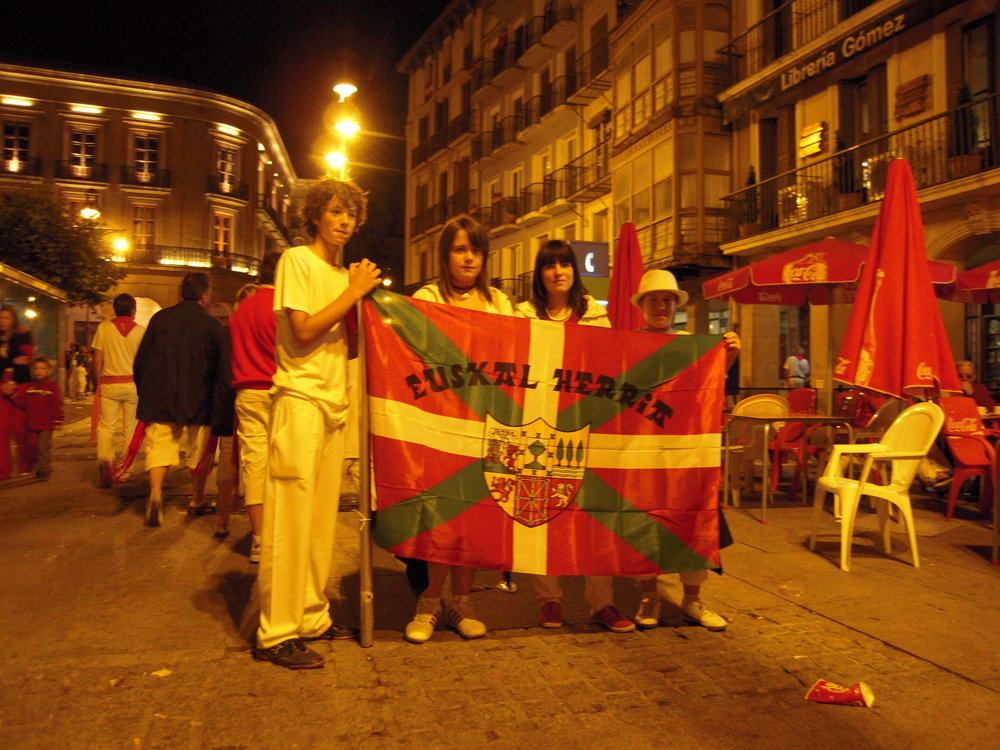 Basque teenagers at the Pobre de Mi
