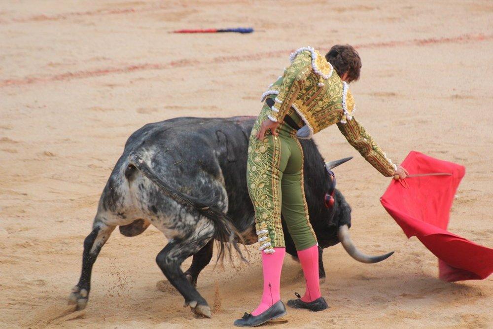 San Fermin bullfight tickets in the shade