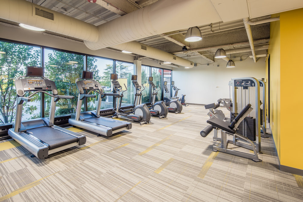 AMENITIES ABOUND   With an enormous WiFi enabled lobby, award-winning café, and fitness center, Bannockburn Atrium provides a true lifestyle environment with a focus on  workplace productivity.