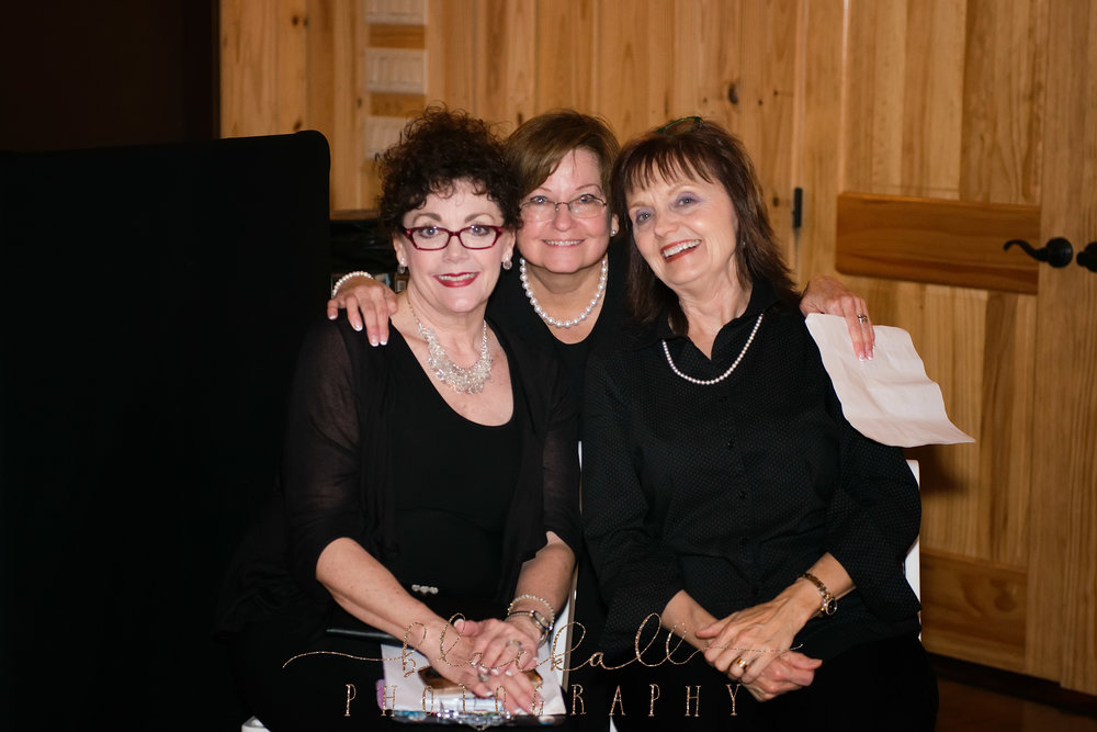 Robin, Linda + Patty. A great team right there! Made sure the day went on without a hitch!