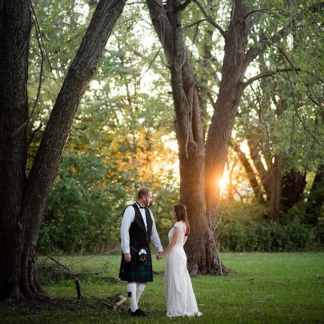 Golden hour rises to the occasion to celebrate this newly married pair. ❤️ #newlyweds #love #gold #scottish #kilt #groom #bride #weddingphotography #kansascity #wichita #reallytalltrees #