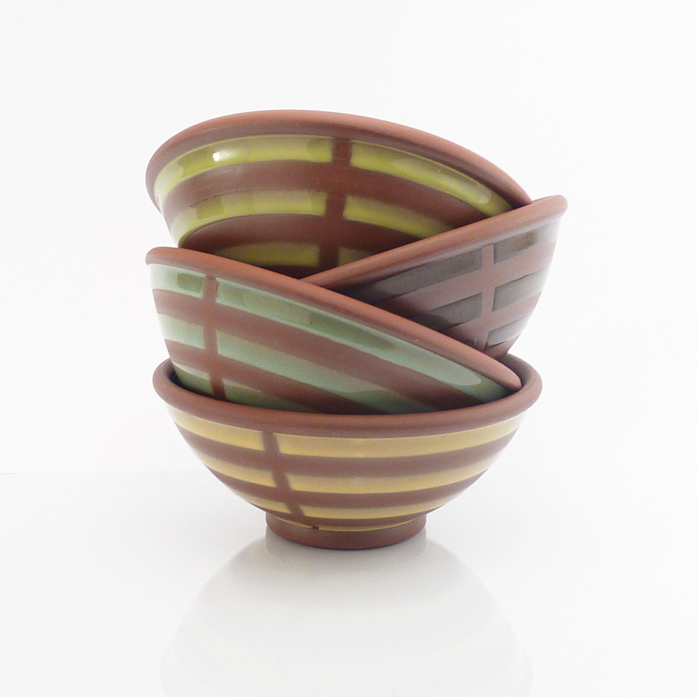 "Bright ""broken stripe"" soup/cereal bowls"