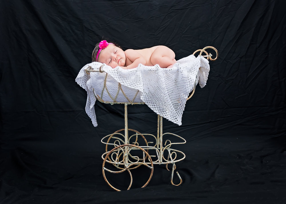 © Nicole Bradshaw Photography 2018; MaKayla's Newborn Session- Los Lunas, New Mexico; Newborn Photographer, Albuquerque Newborn Photographer, Santa Fe Newborn Photographer, Taos Photographer, Ruidoso Photographer