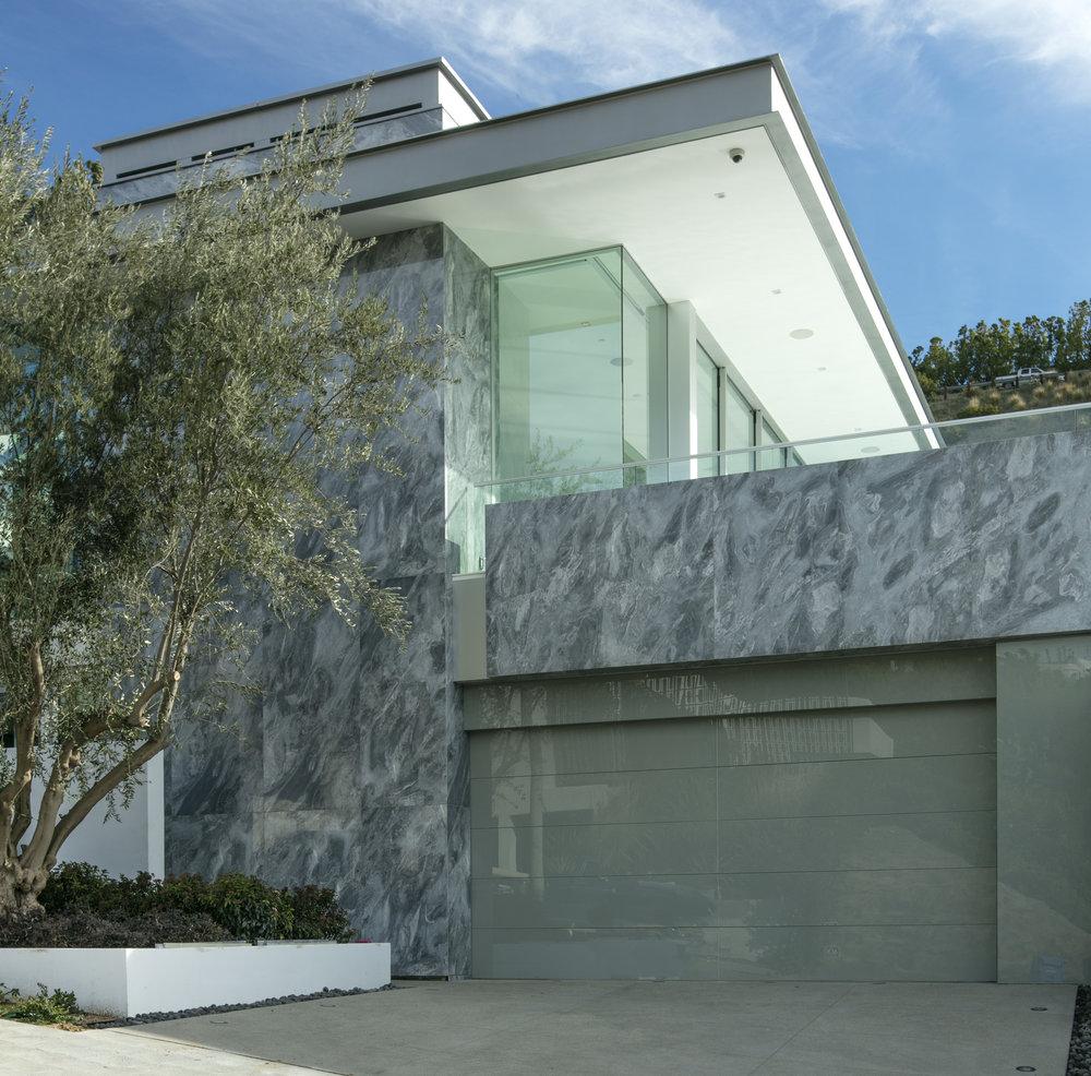 $23,950,000 - 1814 N. Doheny Drive