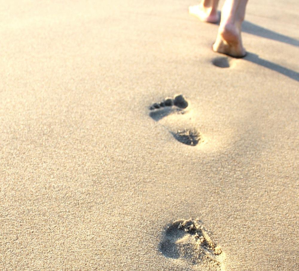 footprints-in-the-sand-4.jpg