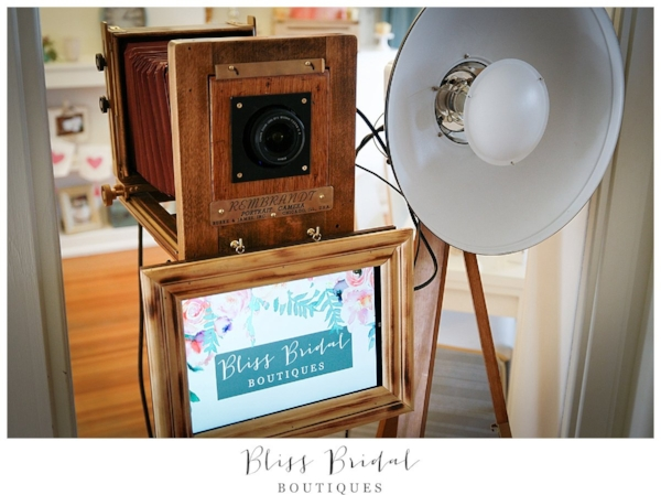 wedding services denver vintage photo booth mihi.jpg