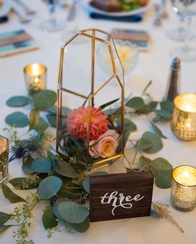 We love all of the gorgeous details put together by @priveeventdesign during a recent wedding at @themanorhouseco! Photo by @twoonephotography. * * * * * #brides #denverbrides #denverwedding #denverweddingphotographer #denverbridal #denver #luxury #denverluxury #denverweddingplanner #denverflorist #wedcolorado