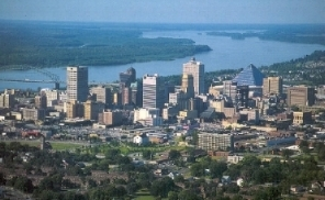 Memphis_skyline_from_the_air.jpg