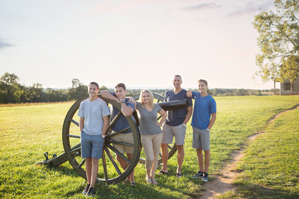 Family session at sunset at Battlefield Manassas, Virginia