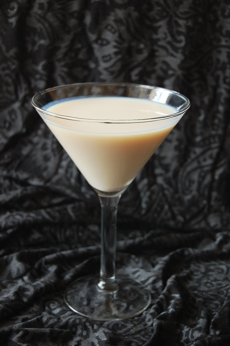 chicago-food-blog-smak-white-martini-1.jpg