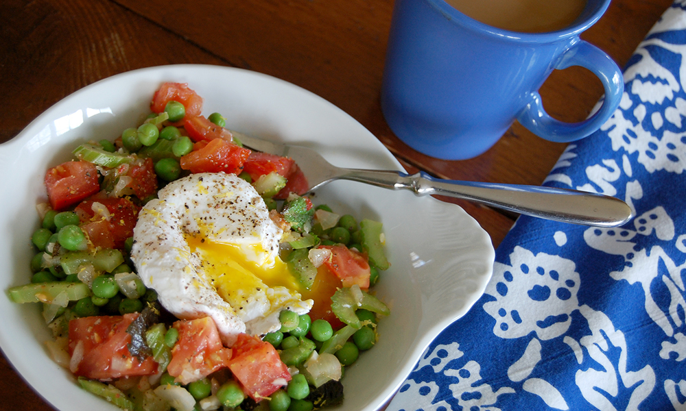 chicago-food-blog-smak-peas-with-mint-and-soft-poached-eggs-2.jpg