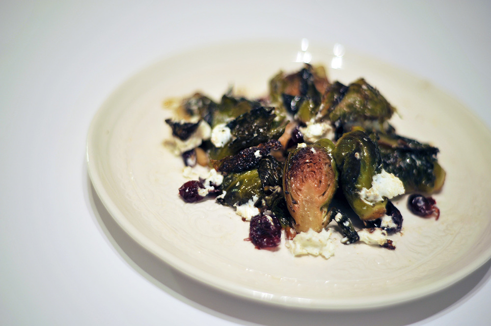 Smak Chicago Food Blog Brussel Sprouts with Cranberries and Pine Nuts 4
