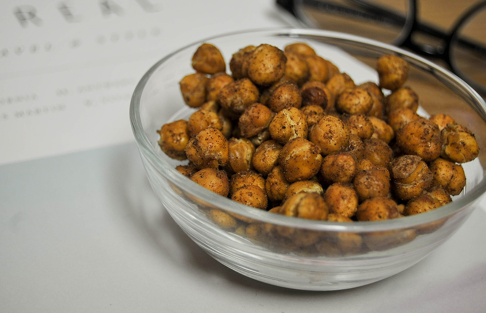 Smak-Chicago-Food-Blog-Roasted-Chickpeas-3.jpg