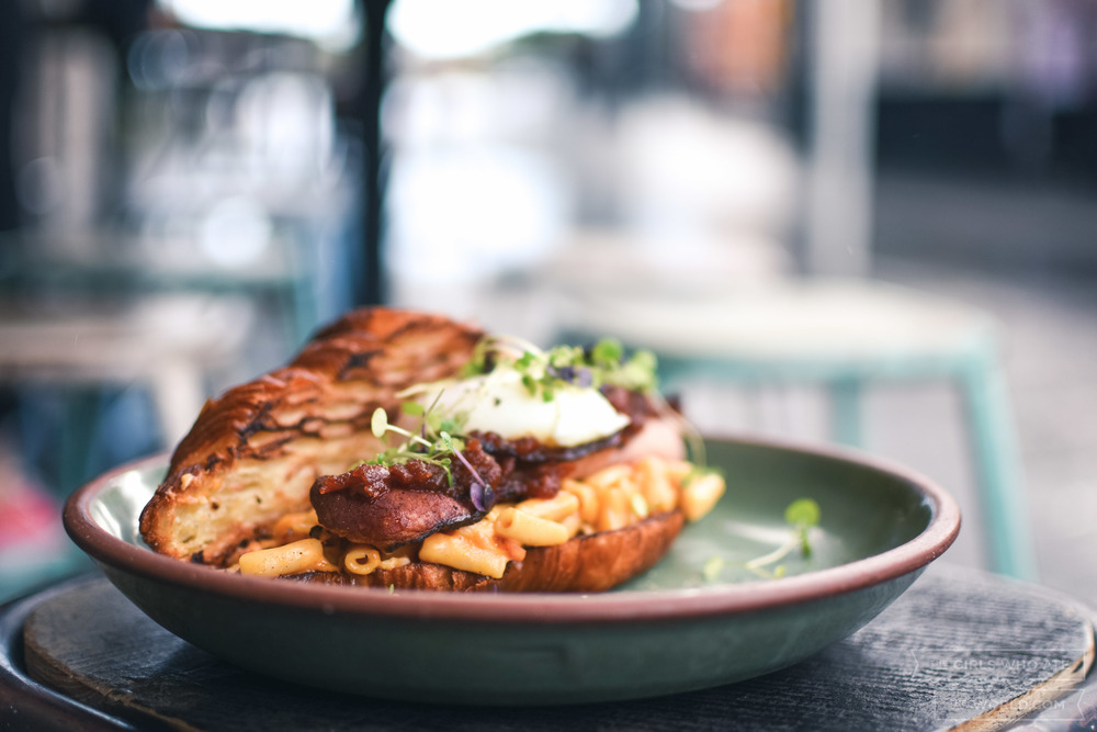 Bacon Mac Daddy (18) - Double smoked bacon, bacon mac 'n' cheese, a 63° poached egg and tomato relish in a toasted croissant