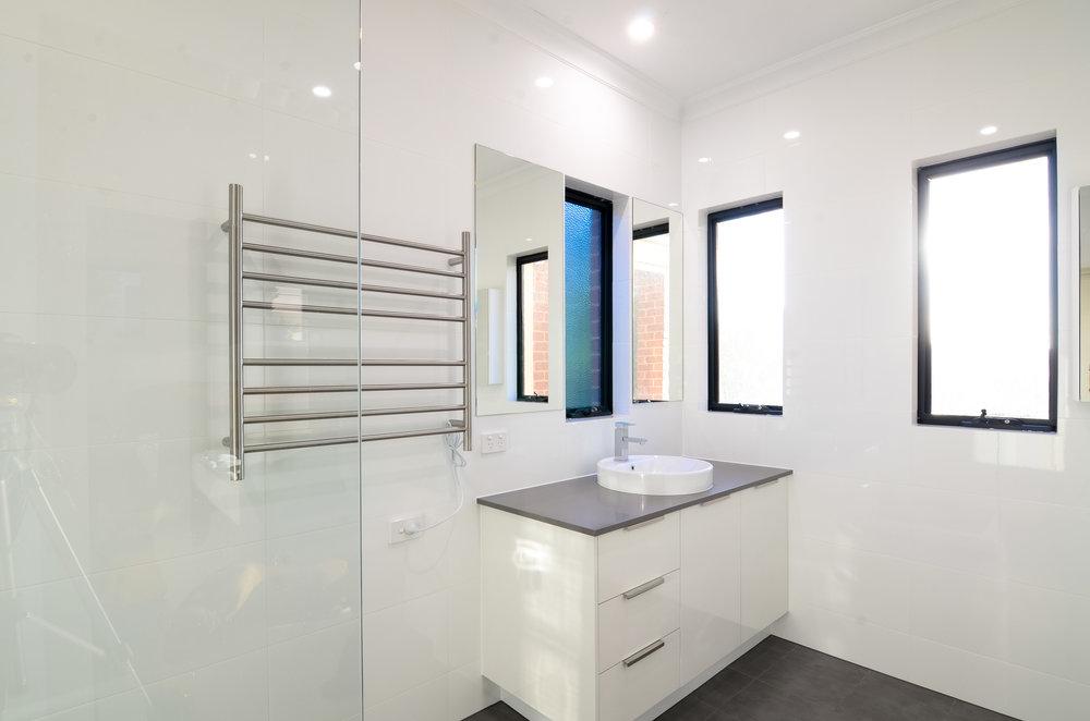bathroom renovation perth builder