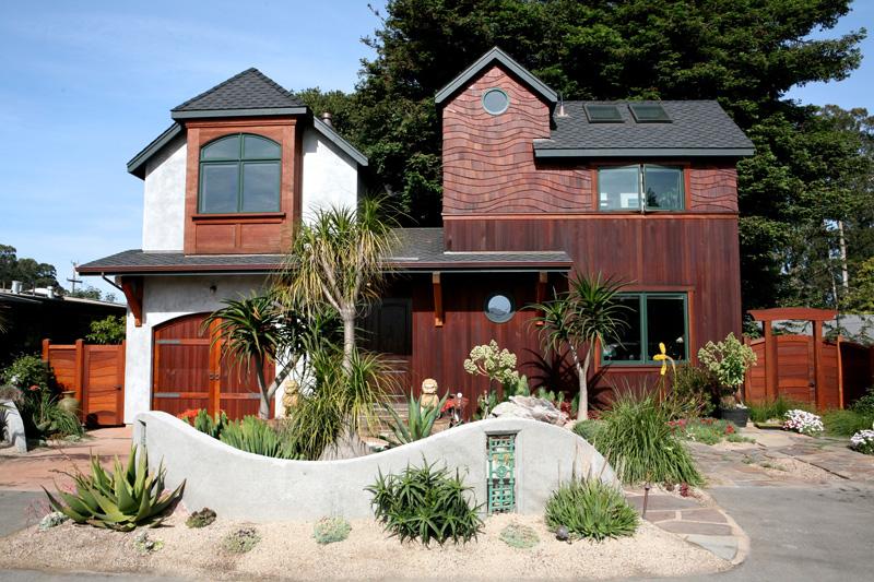 Treehousefront.jpg