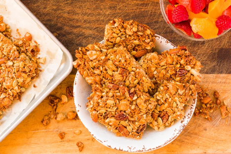 This is a perfect replacement to granola bars. You can mix various nuts to make it your own. I love pecans, walnuts, almonds and macadamia nuts. I slice them up but they can be in any shape.