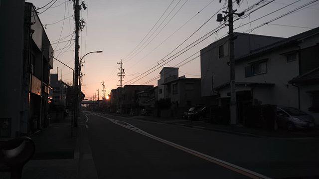 #goodmorning #beautifulday #start #photographoftheday #photography #sunrise #sunsout #onlocation #bywater #warm #nice