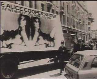Alice Cooper Bus.jpg