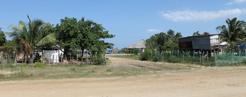 Constructions récentes sur pilotis à Cuba. Photo par Mamed Muffak.