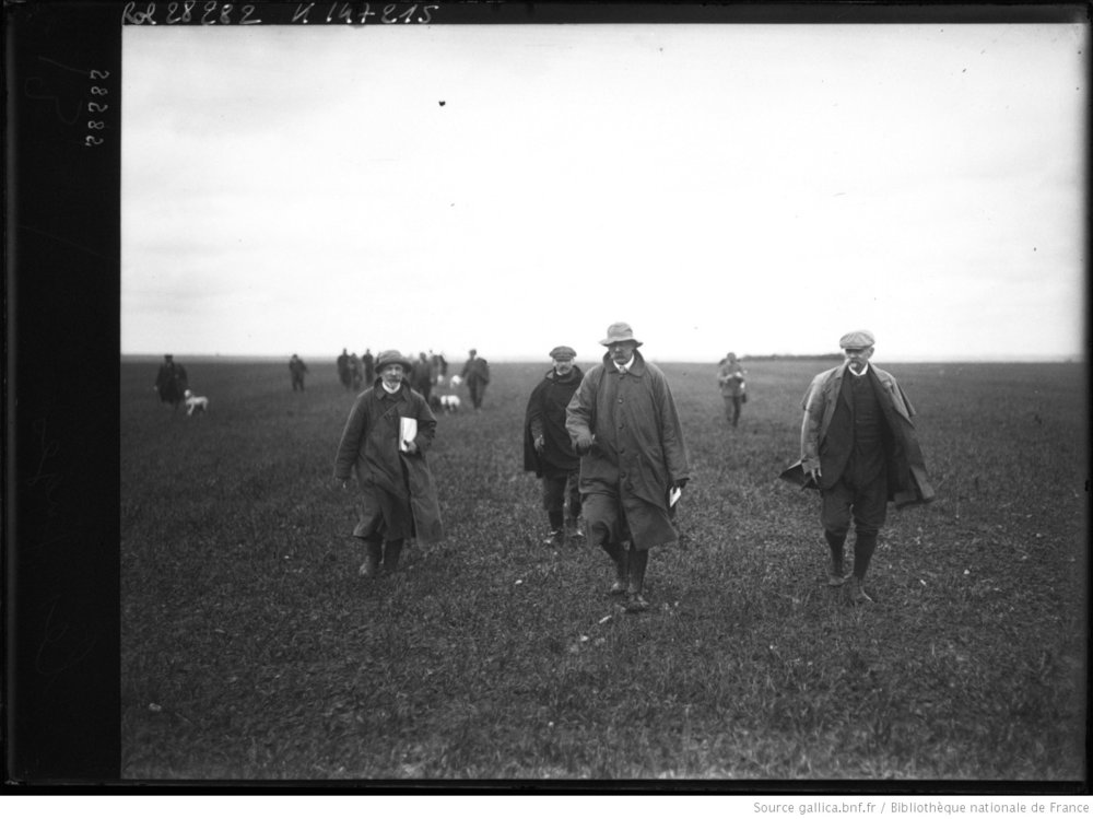 Field trial judges in France, 1913