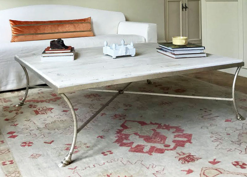 CHARTRES TABLE