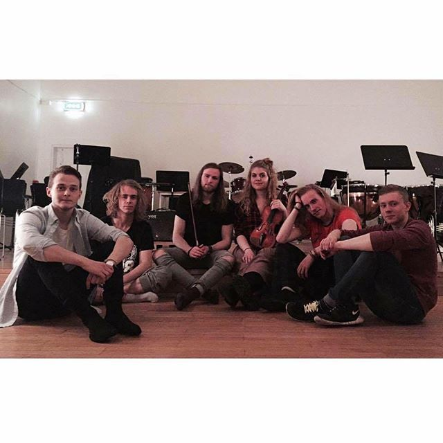 This fabulous band is going to play with us this year! Meet Wayward @waywardofficialband #lúr #lúrfestival #lurfestival2016 #bands #funfunfun