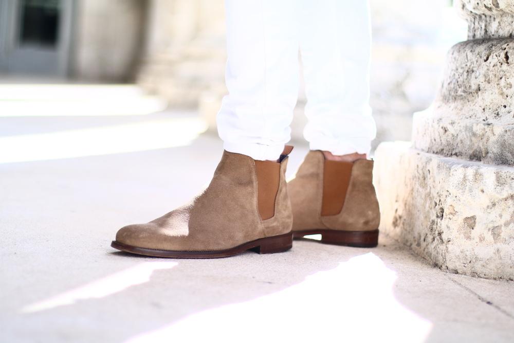 Scarf & Chelsea Boots:  ALDO  Pants:  PacSun   Photography:  Alberto Madrid