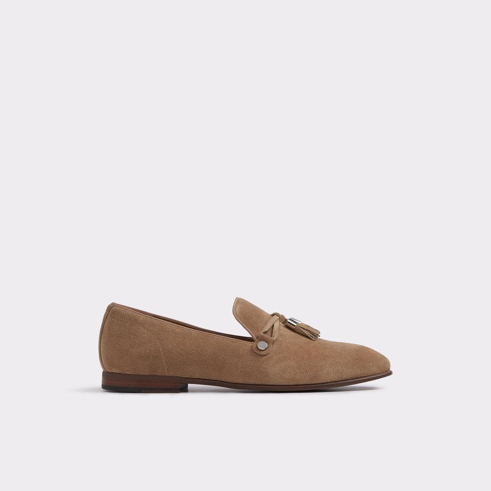 https://www.aldoshoes.com/us/en_US/men/footwear/dress-shoes/loafers/Mccrery-Beige%2FTaupe/p/50556031-36