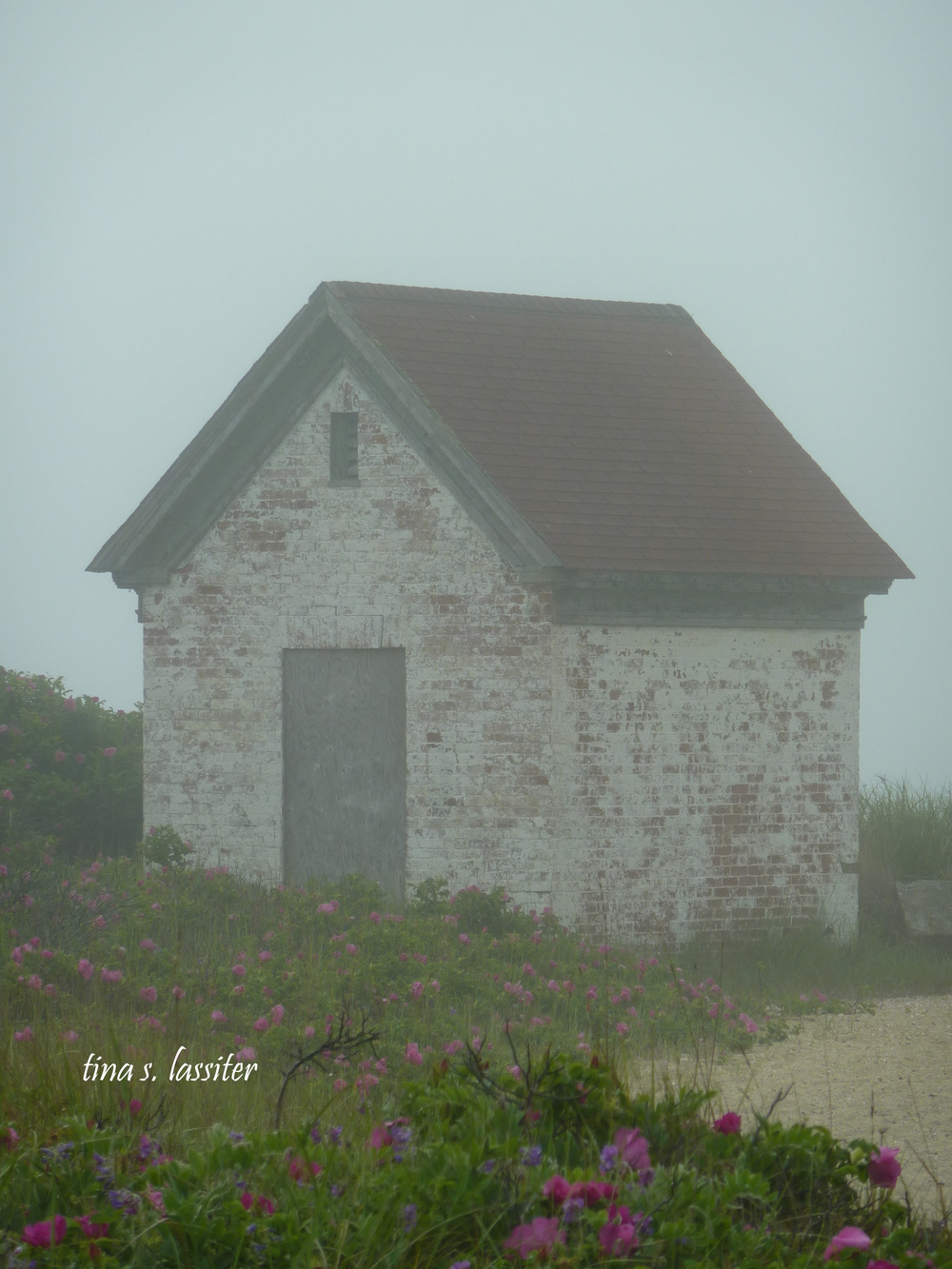 nantucket hut in fog
