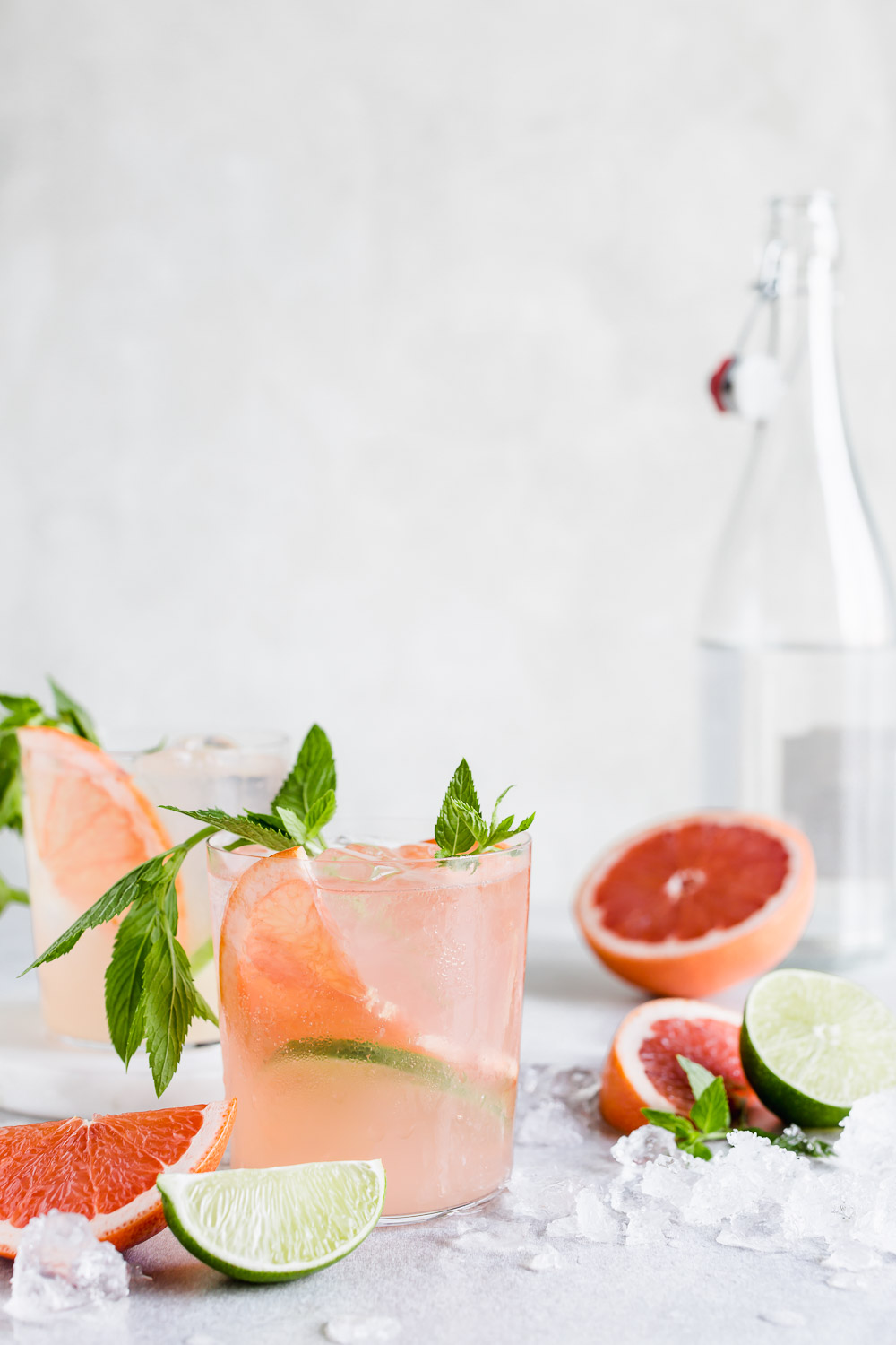 grapefruit mojito cocktail