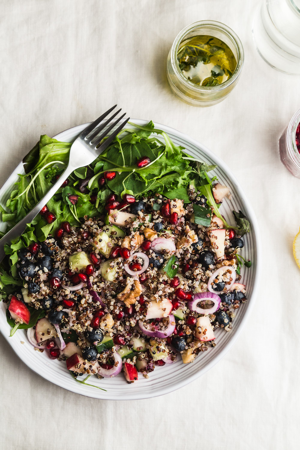 quinoa bluberry pomegranate salad